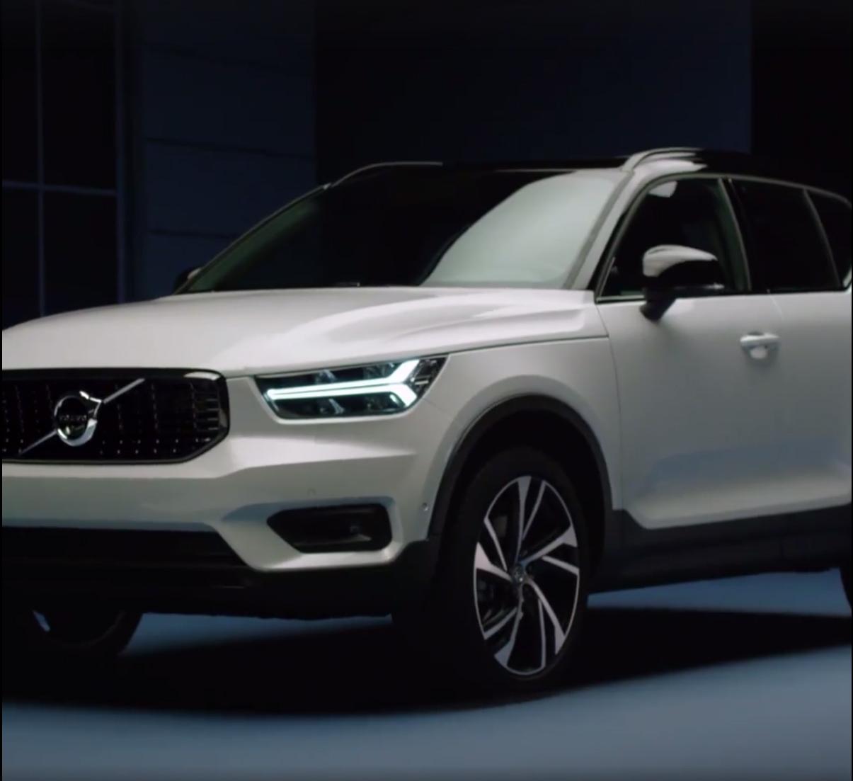 2018_Volvo_XC40_leaked_24