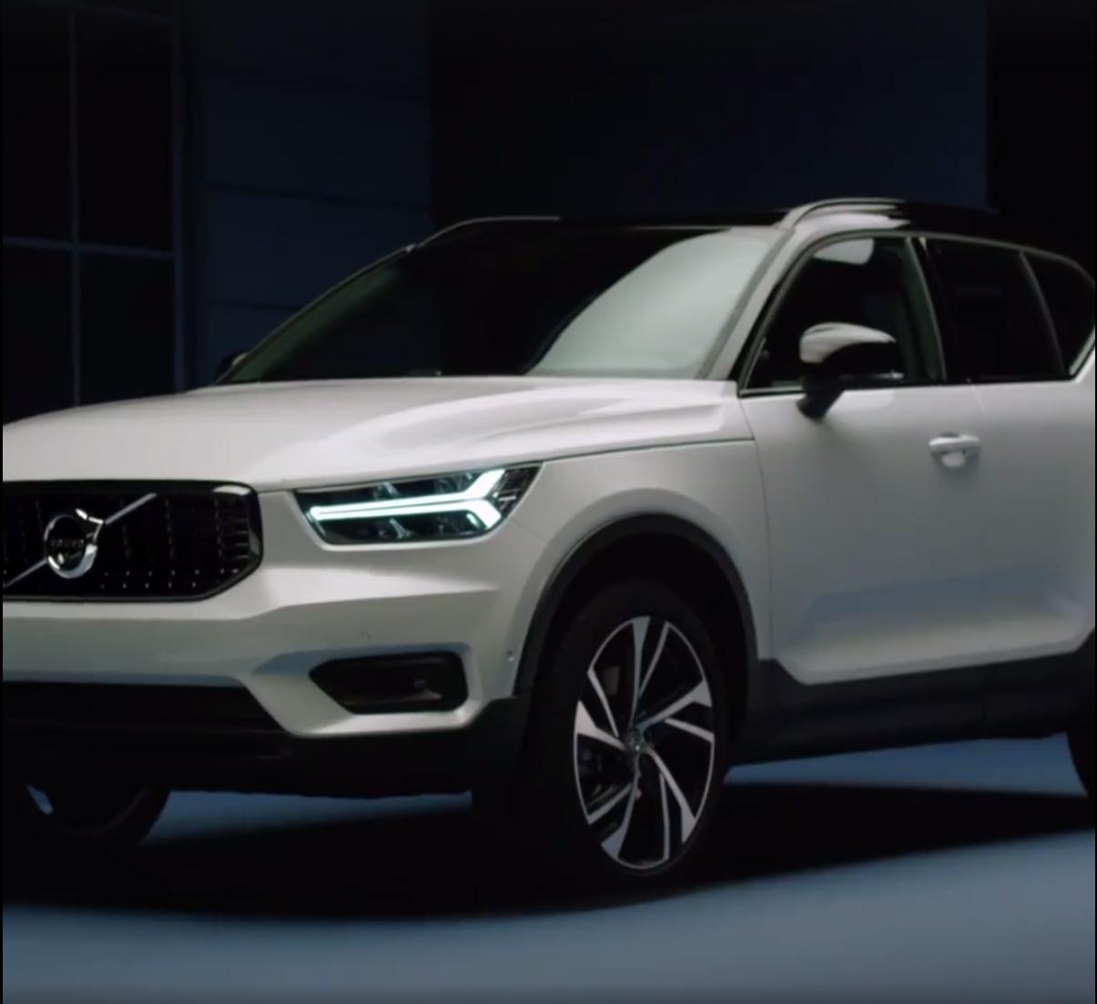2018_Volvo_XC40_leaked_25