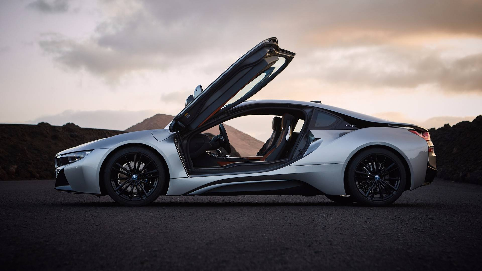 2019_BMW_i8_Coupe_02