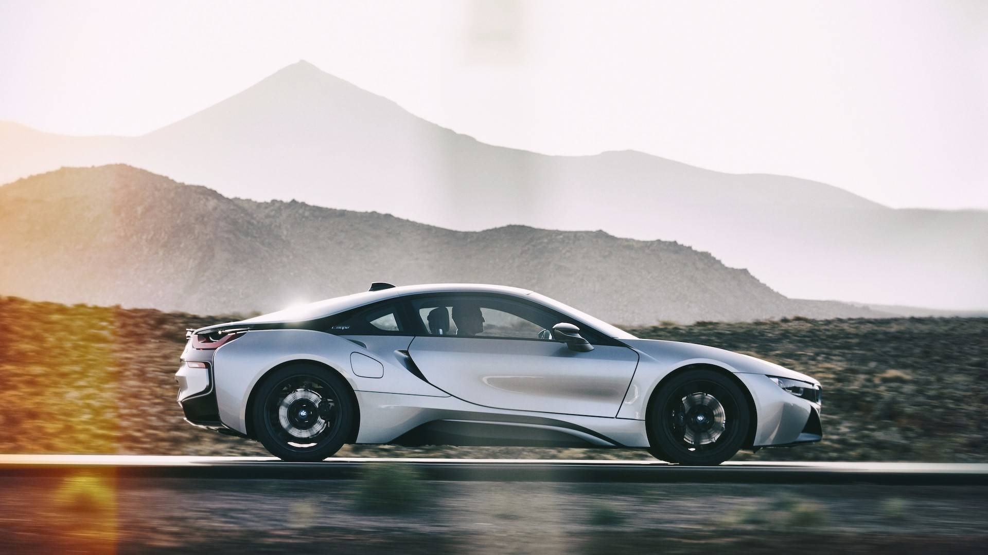 2019_BMW_i8_Coupe_03