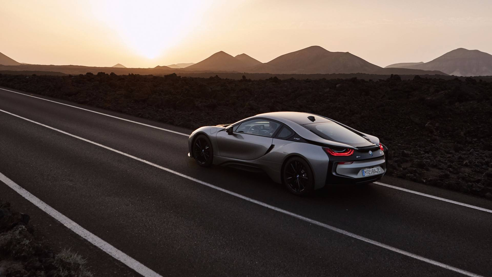 2019_BMW_i8_Coupe_07