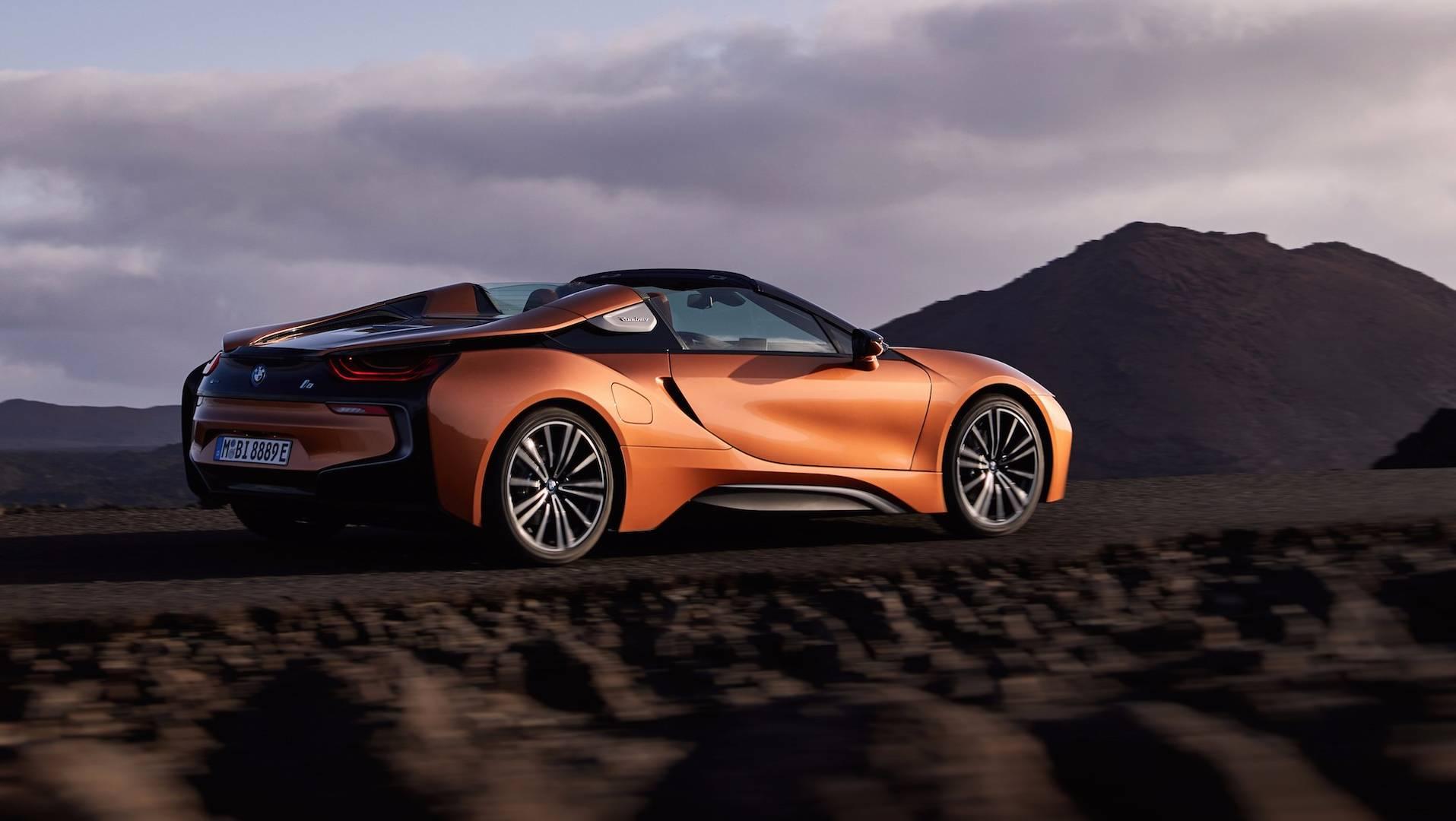 2019_BMW_i8_Roadster_04