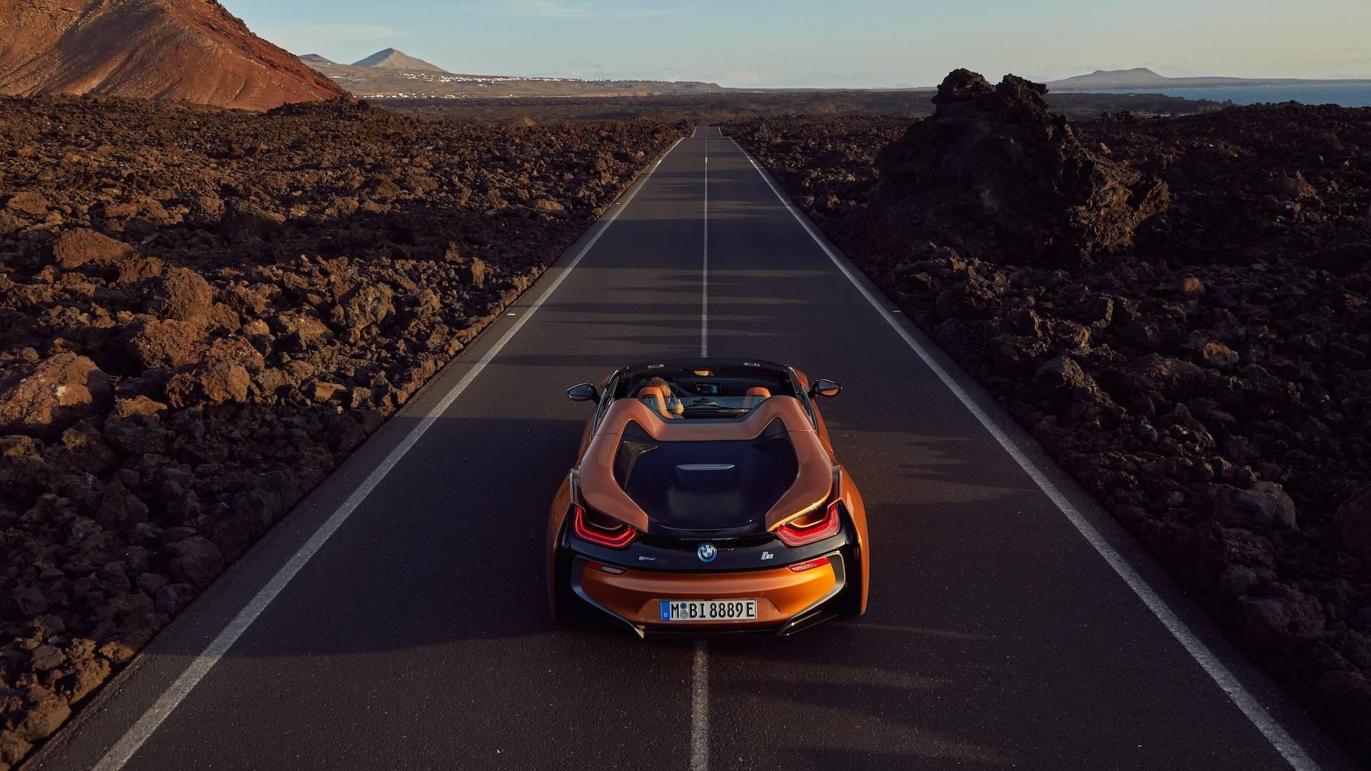 2019_BMW_i8_Roadster_07