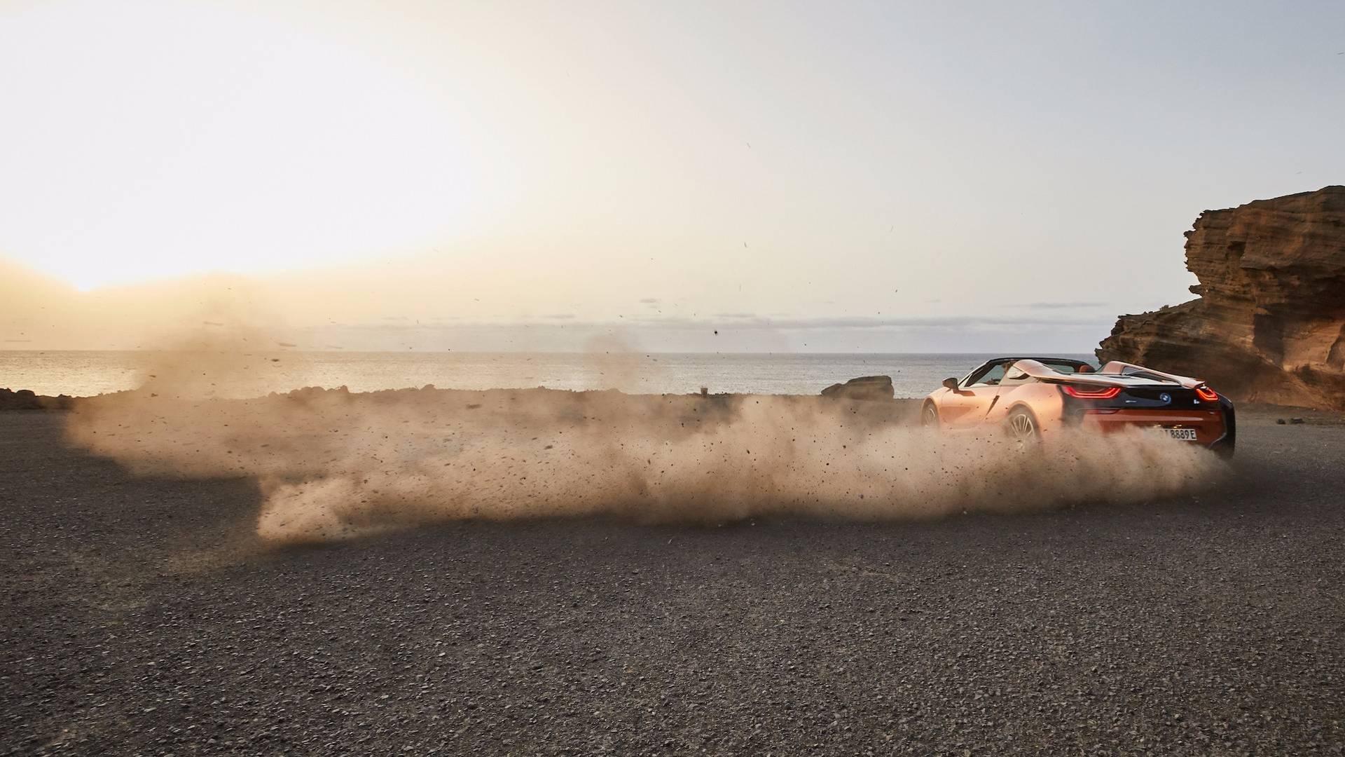 2019_BMW_i8_Roadster_08
