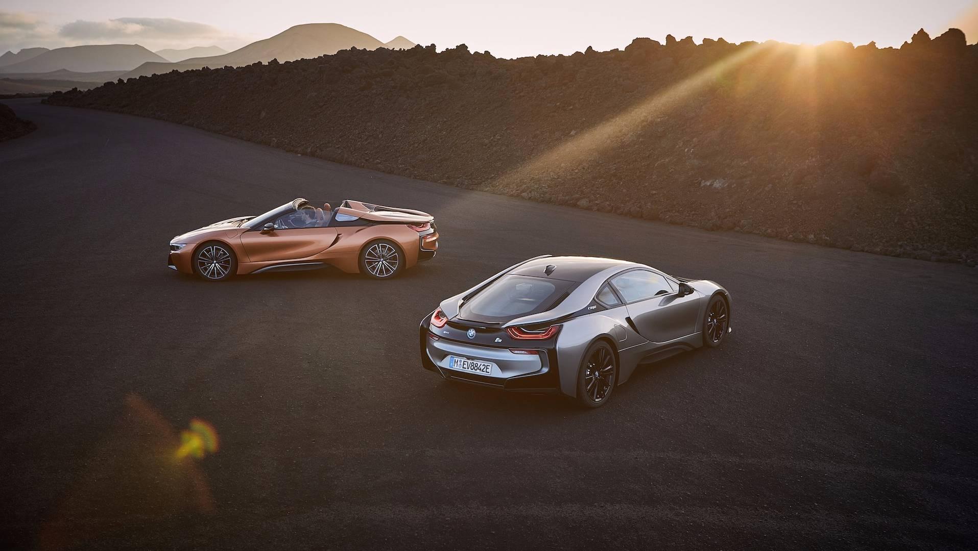 2019_BMW_i8_Roadster_16