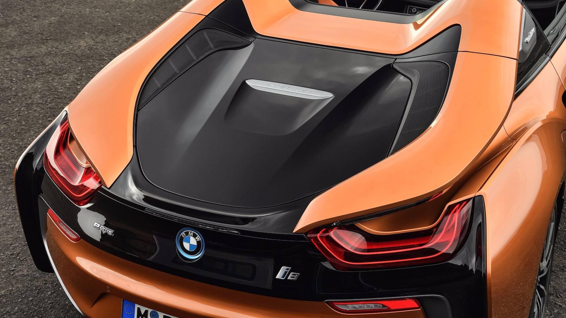 2019_BMW_i8_Roadster_21