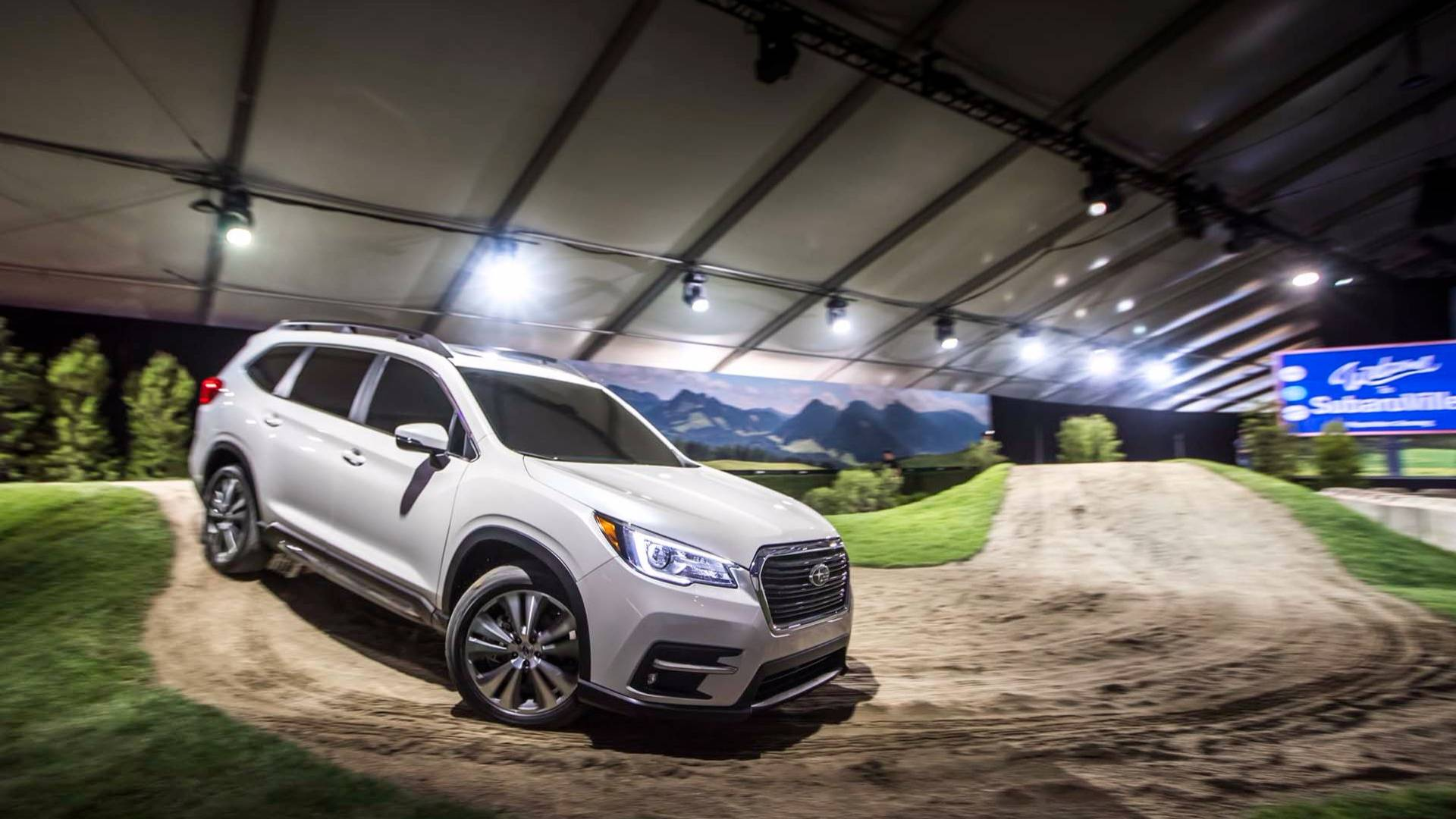 2019_Subaru_Ascent_04