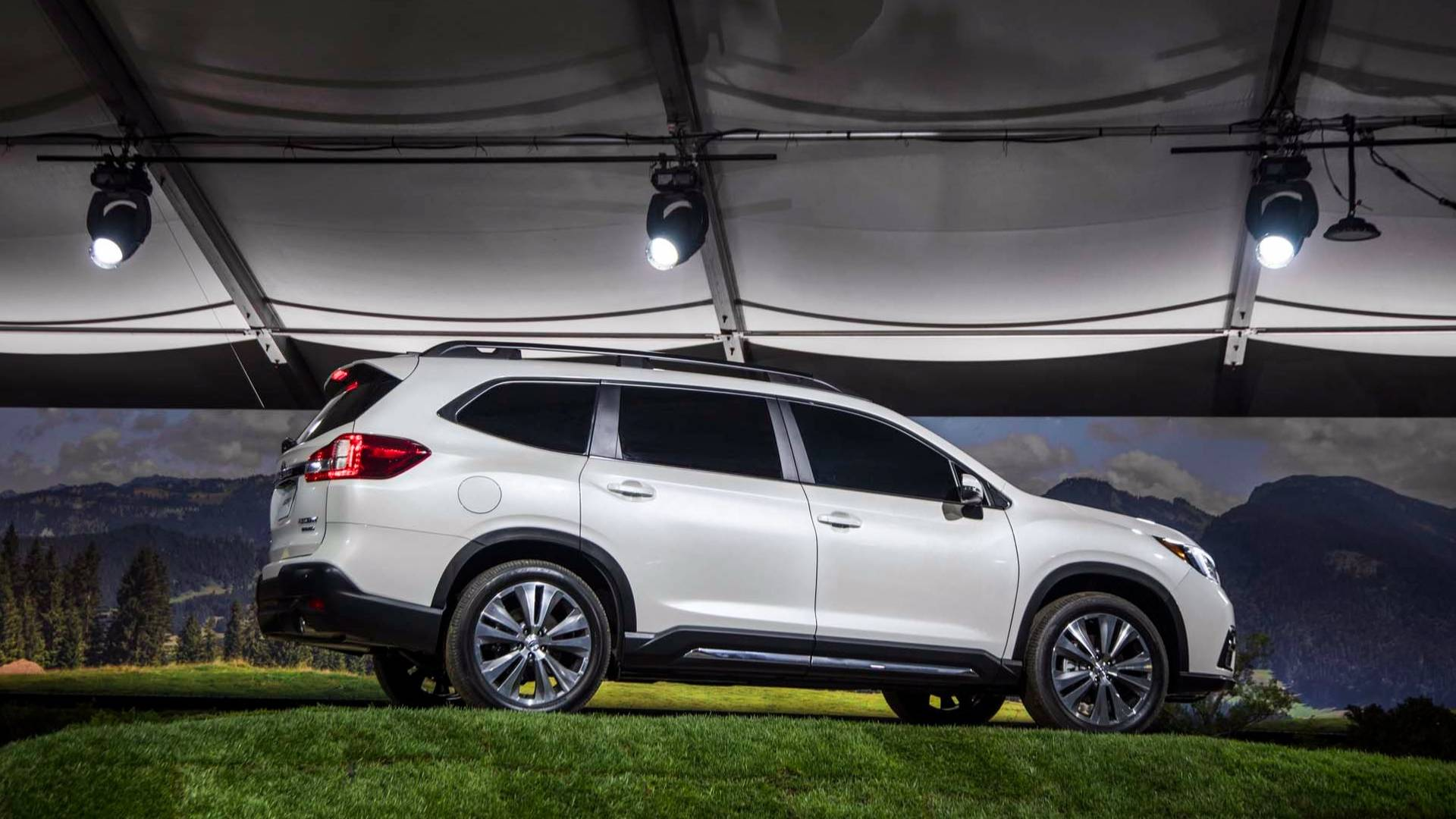 2019_Subaru_Ascent_06