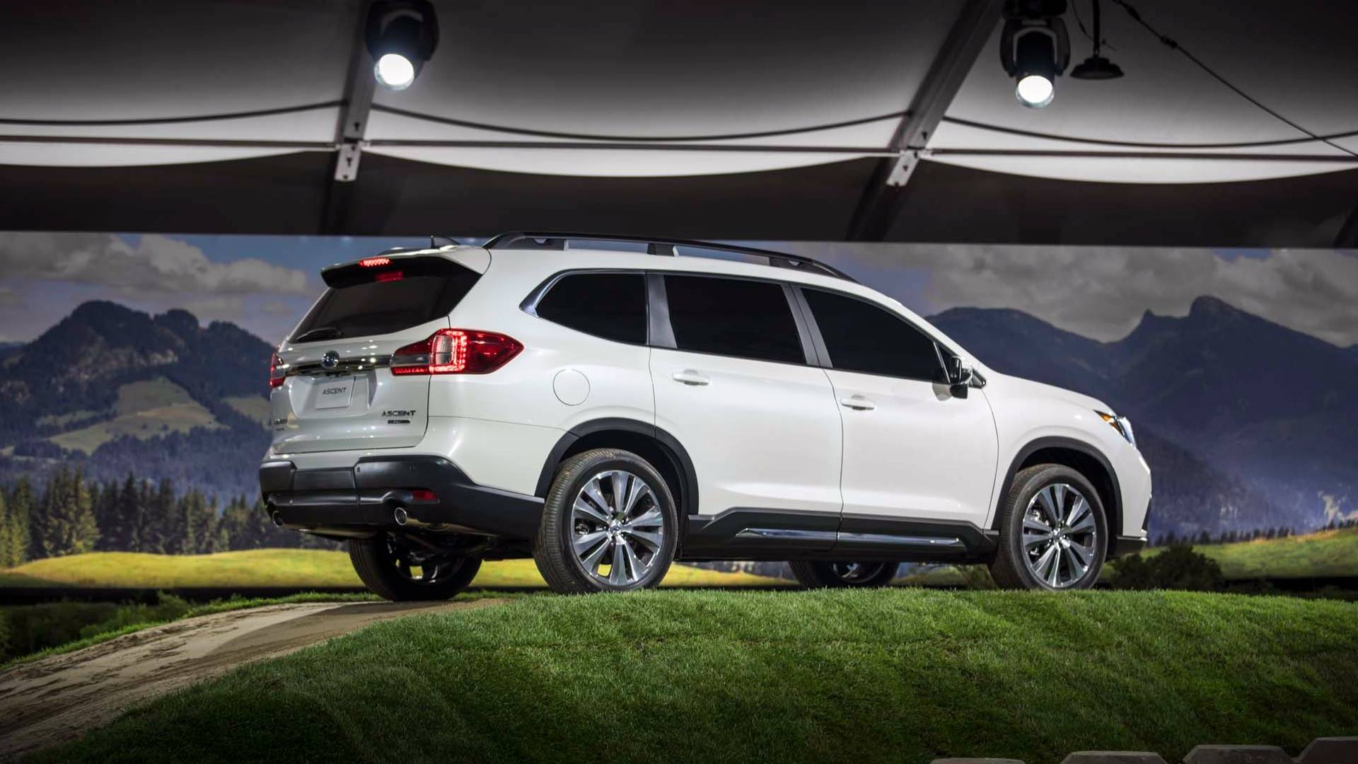 2019_Subaru_Ascent_09