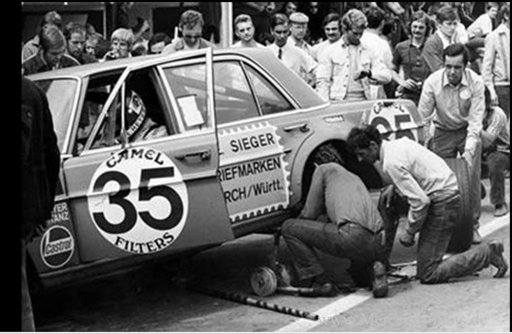 SPA-1971-300SEL-RACE-PIT4-rote-sau