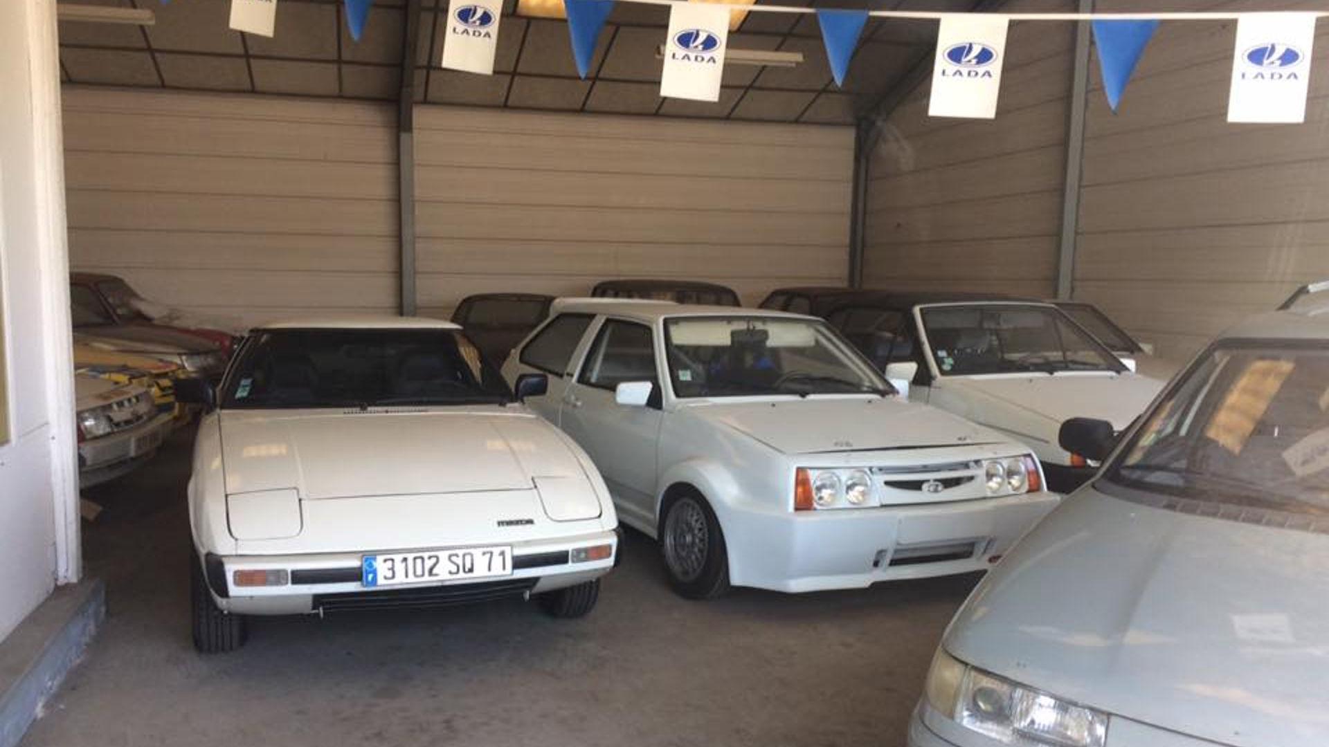 Abandoned_French_Lada_dealership_03