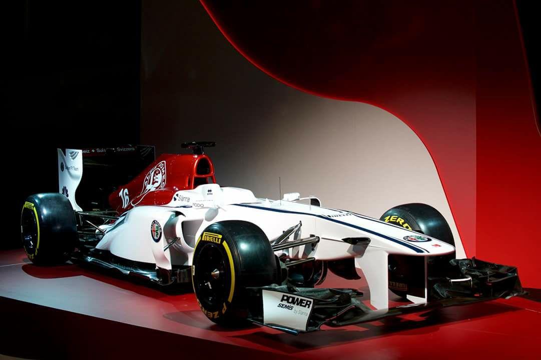 Alfa_Romeo_Sauber_F1_0002