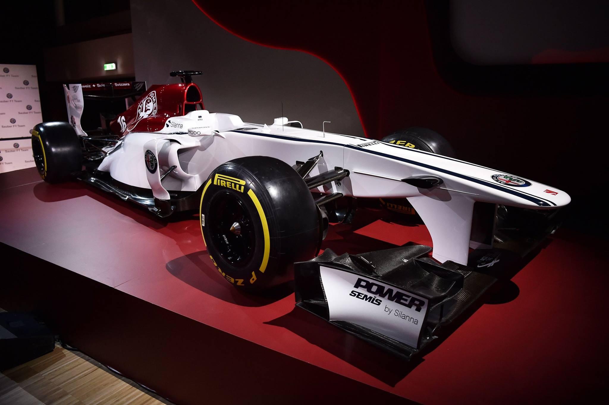 Alfa_Romeo_Sauber_F1_0006