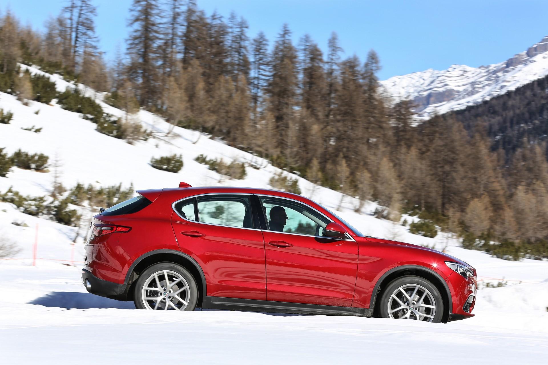 170222_Alfa-Romeo_AR-Stelvio_35