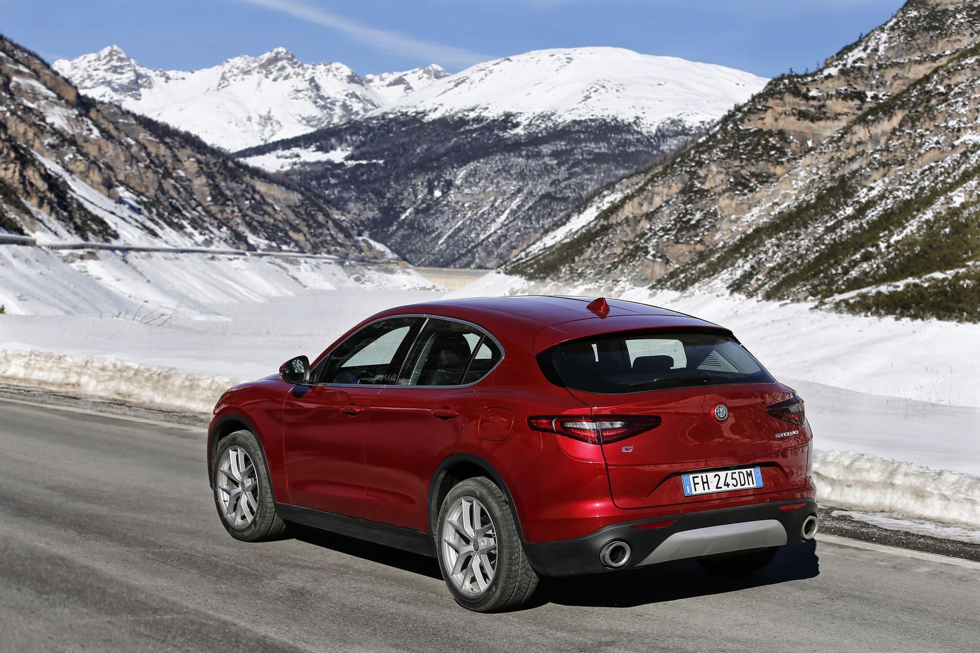 170222_Alfa-Romeo_AR-Stelvio_60