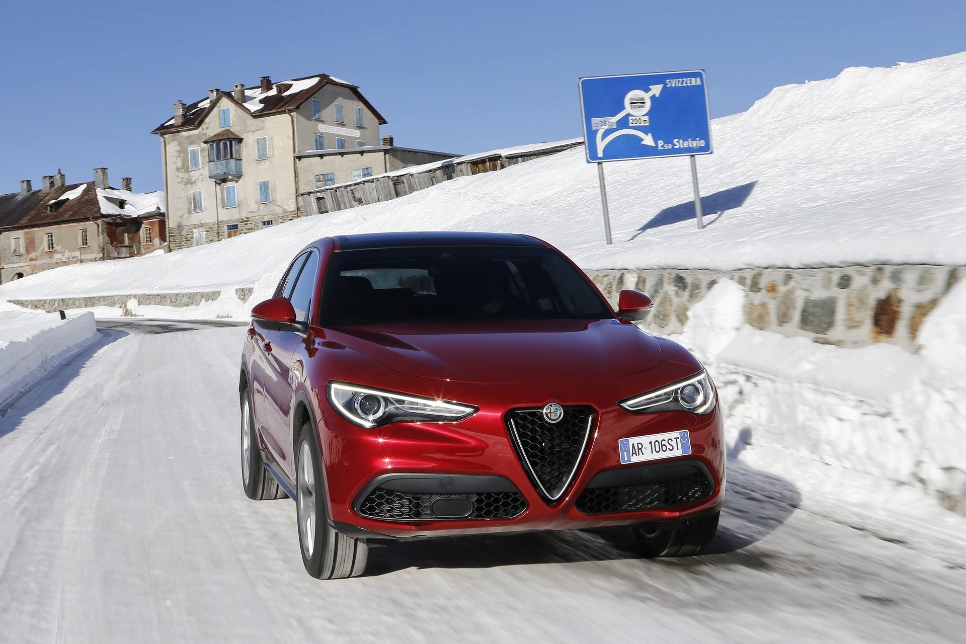 170222_Alfa-Romeo_Stelvio_01
