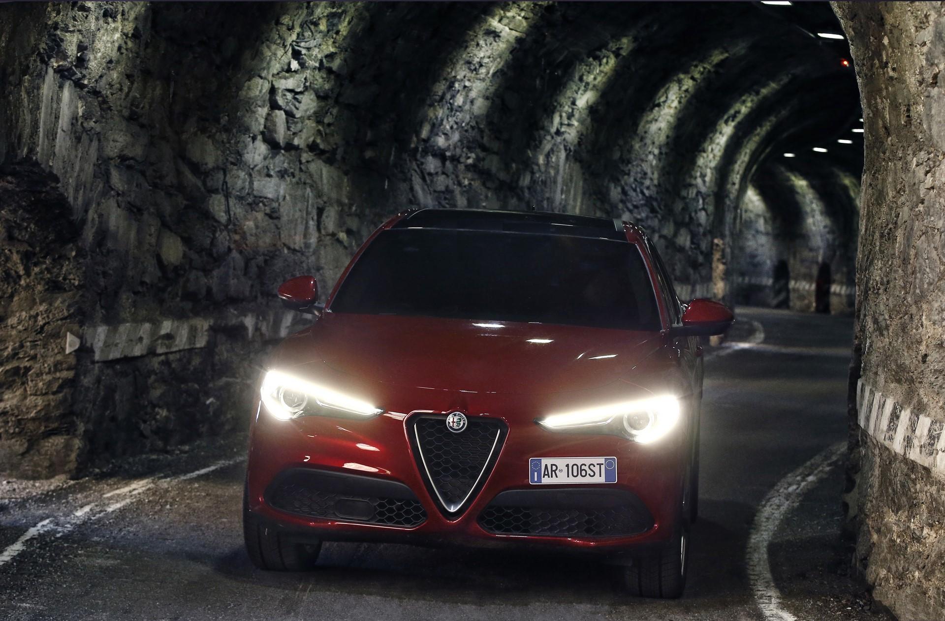 170222_Alfa-Romeo_Stelvio_32