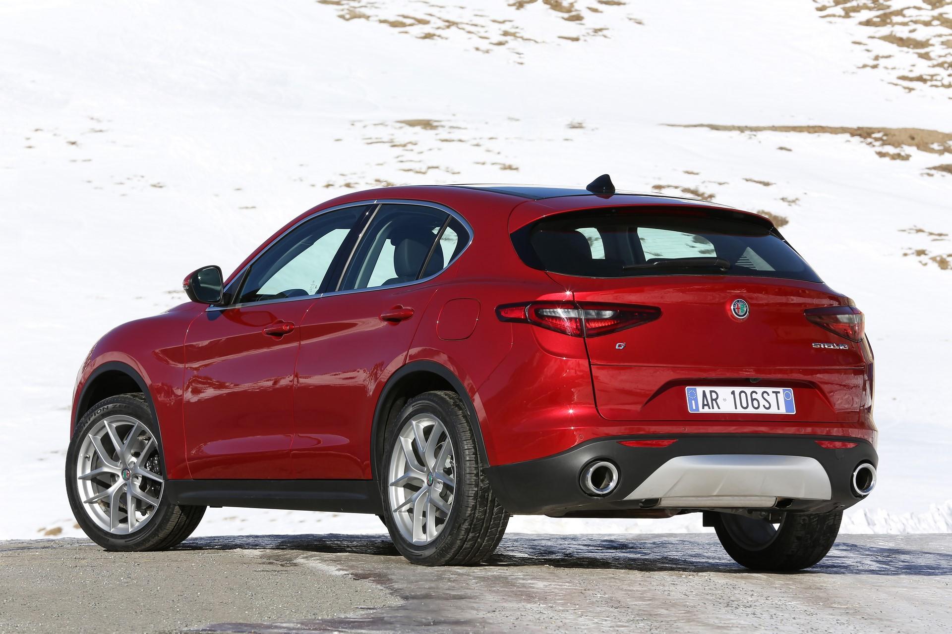 170222_Alfa-Romeo_Stelvio_50