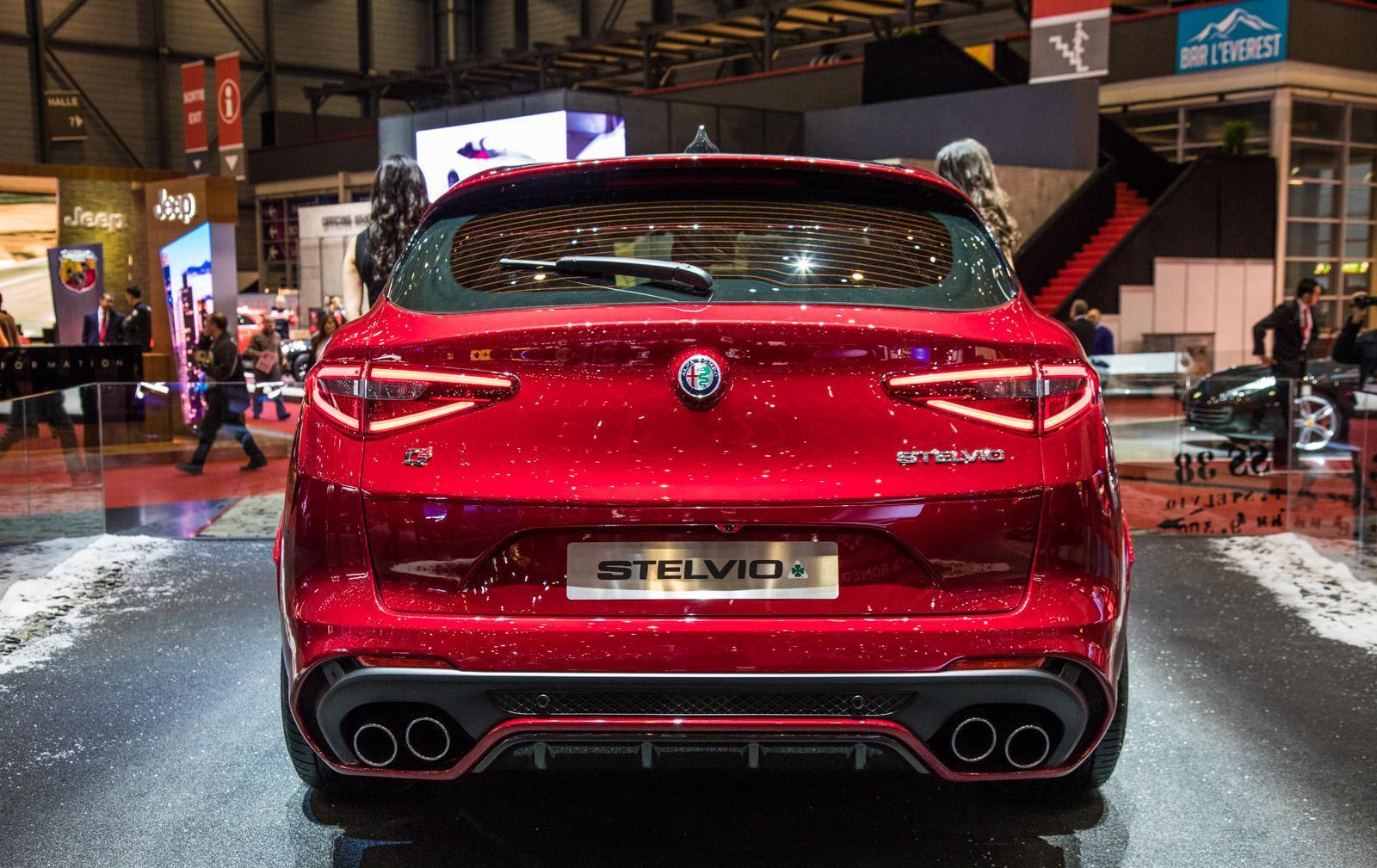 Alfa-Romeo-Stelvio-004