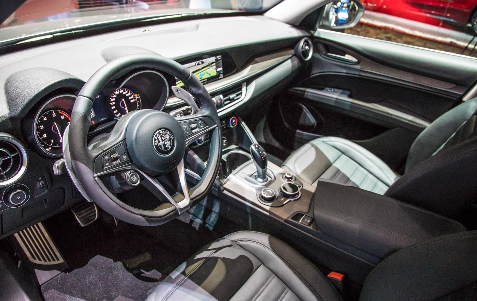 Alfa-Romeo-Stelvio-012