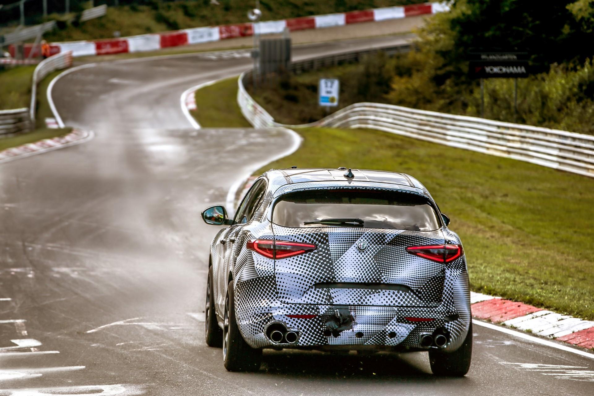 Alfa Romeo Stelvio QuadrifoglioNurburgring record (3)