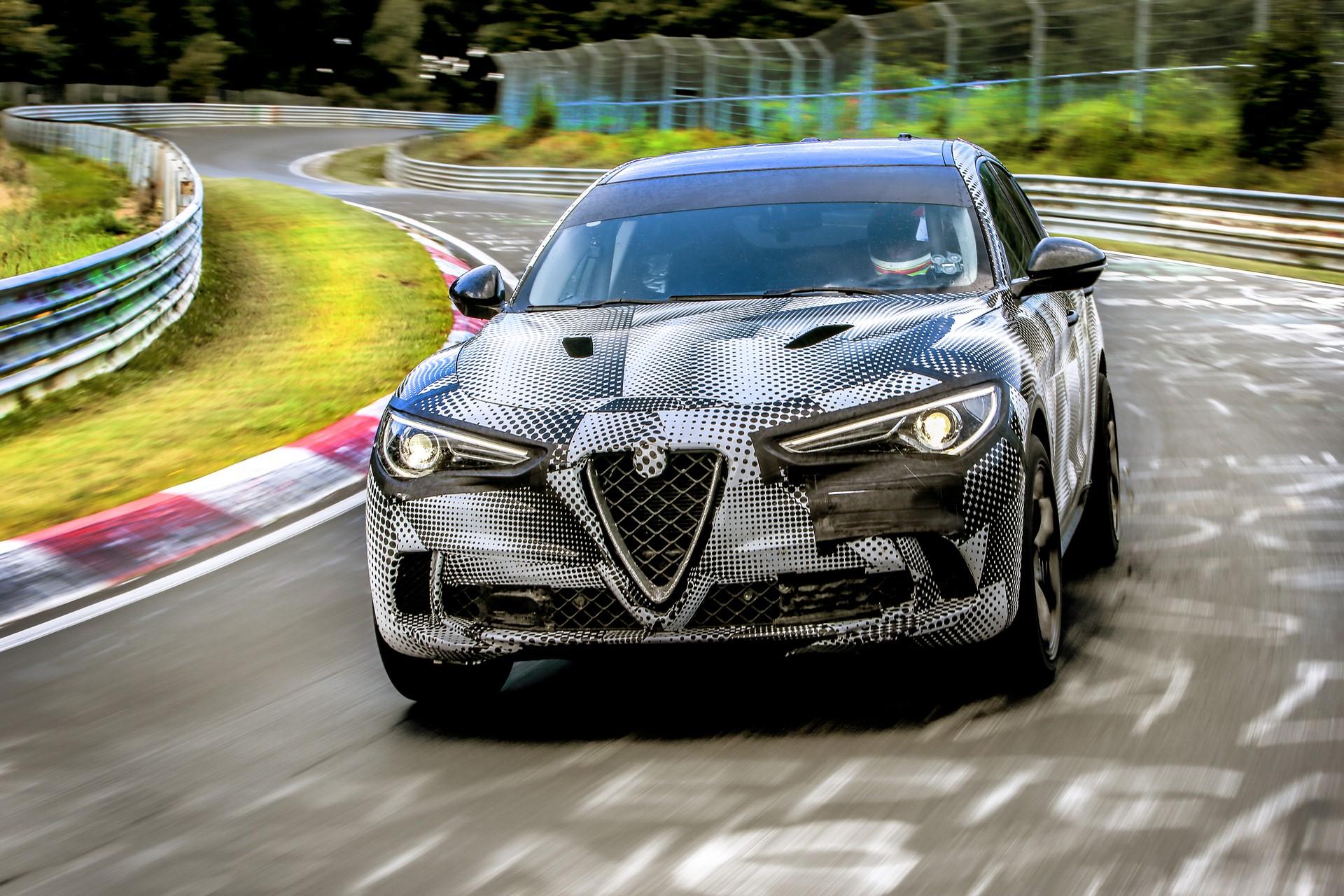 Alfa Romeo Stelvio QuadrifoglioNurburgring record (4)