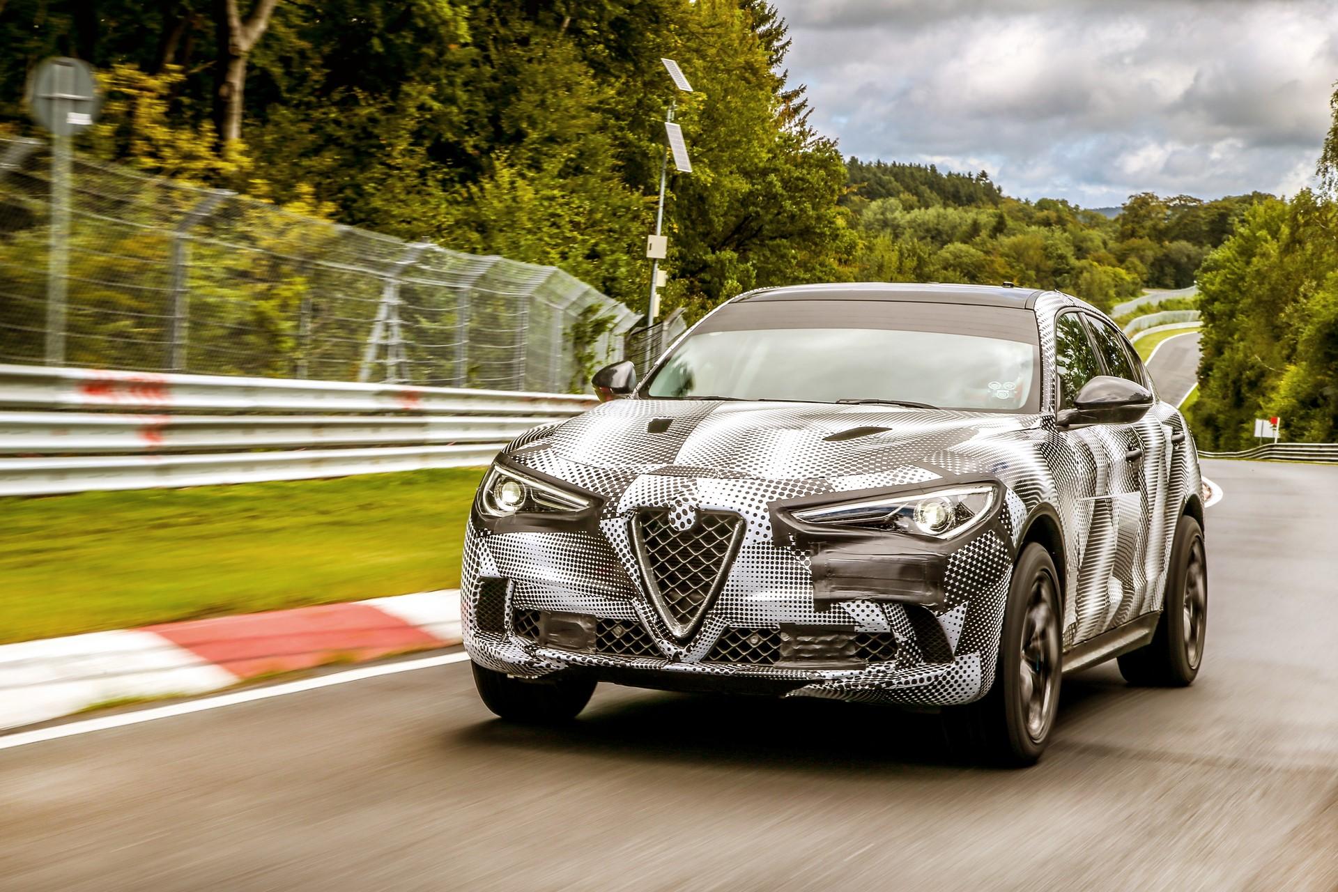 Alfa Romeo Stelvio QuadrifoglioNurburgring record (6)