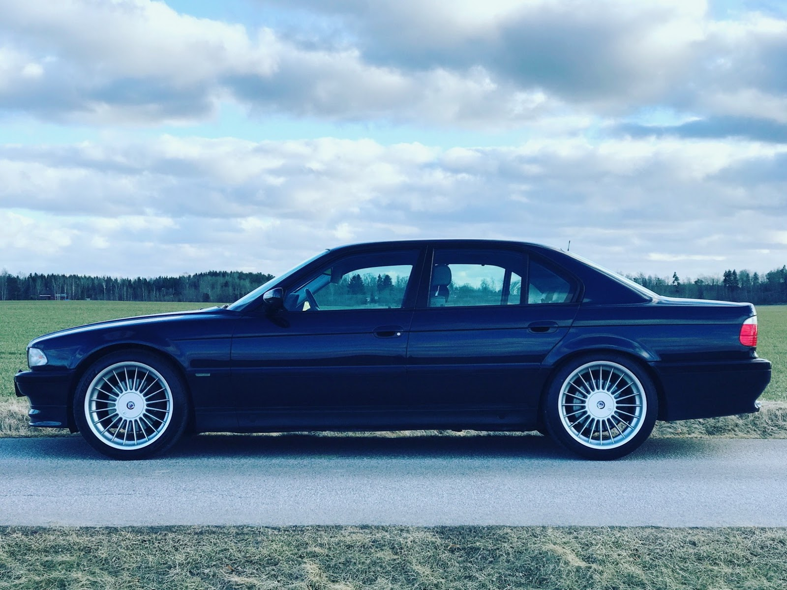 alpina-b12-sold-sweden-1