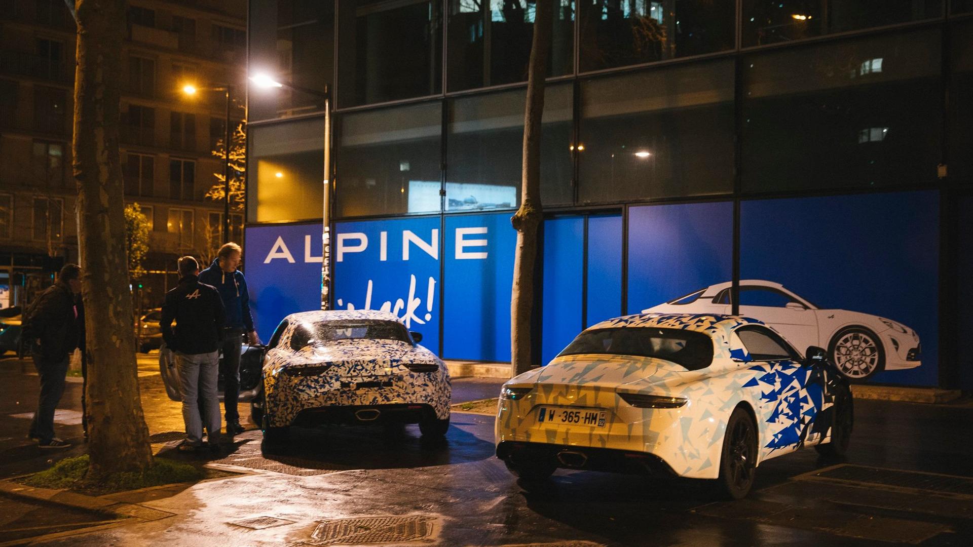 alpine-prototypes-paris-night-ride (17)