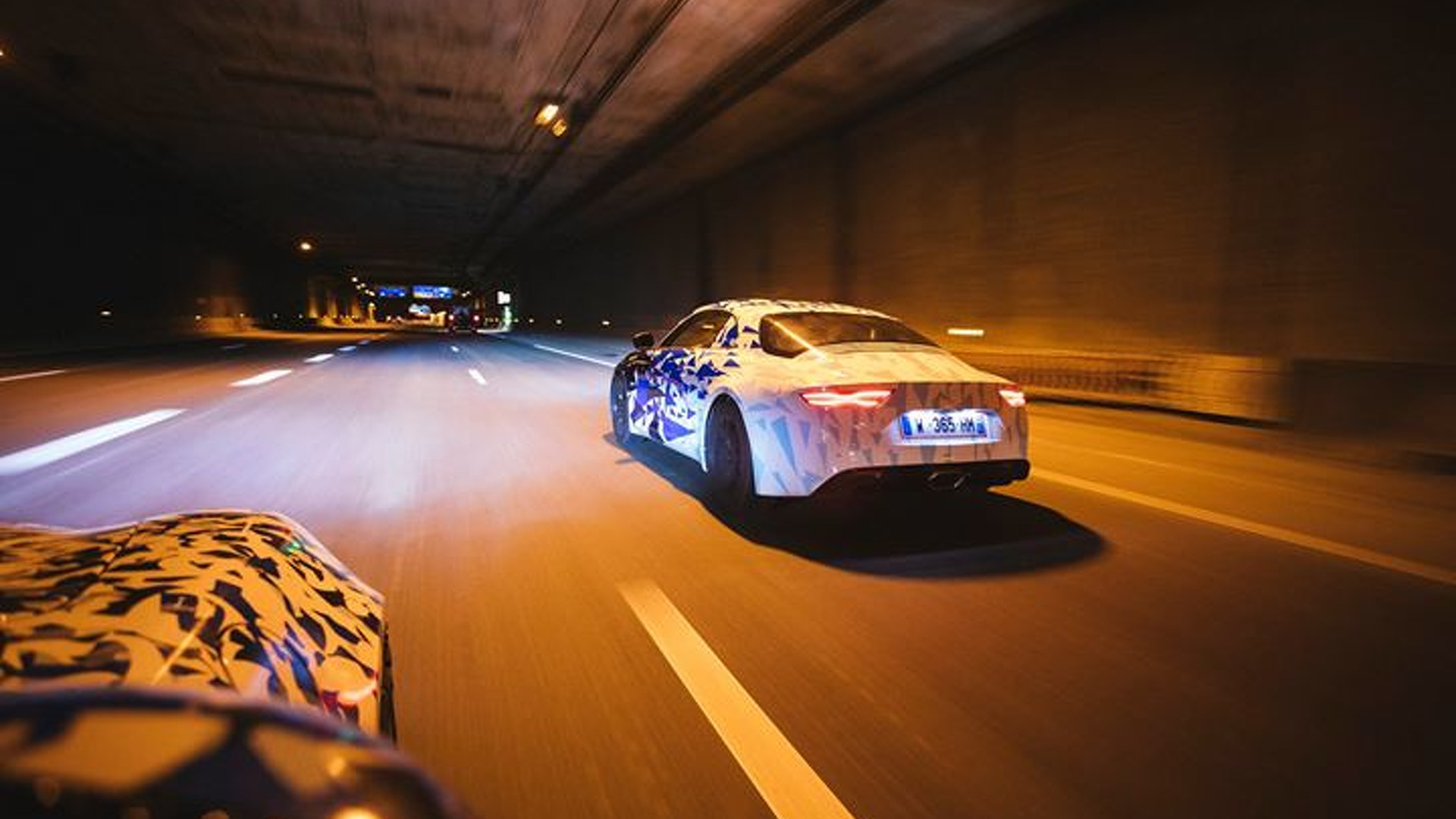 alpine-prototypes-paris-night-ride (2)