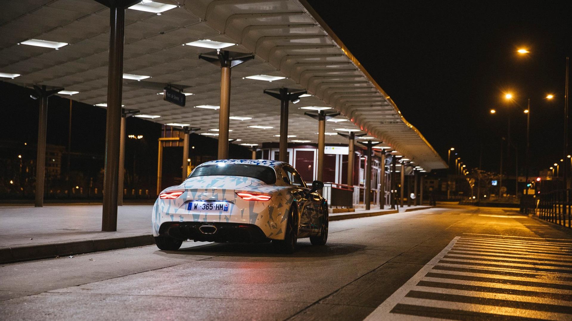 alpine-prototypes-paris-night-ride (20)