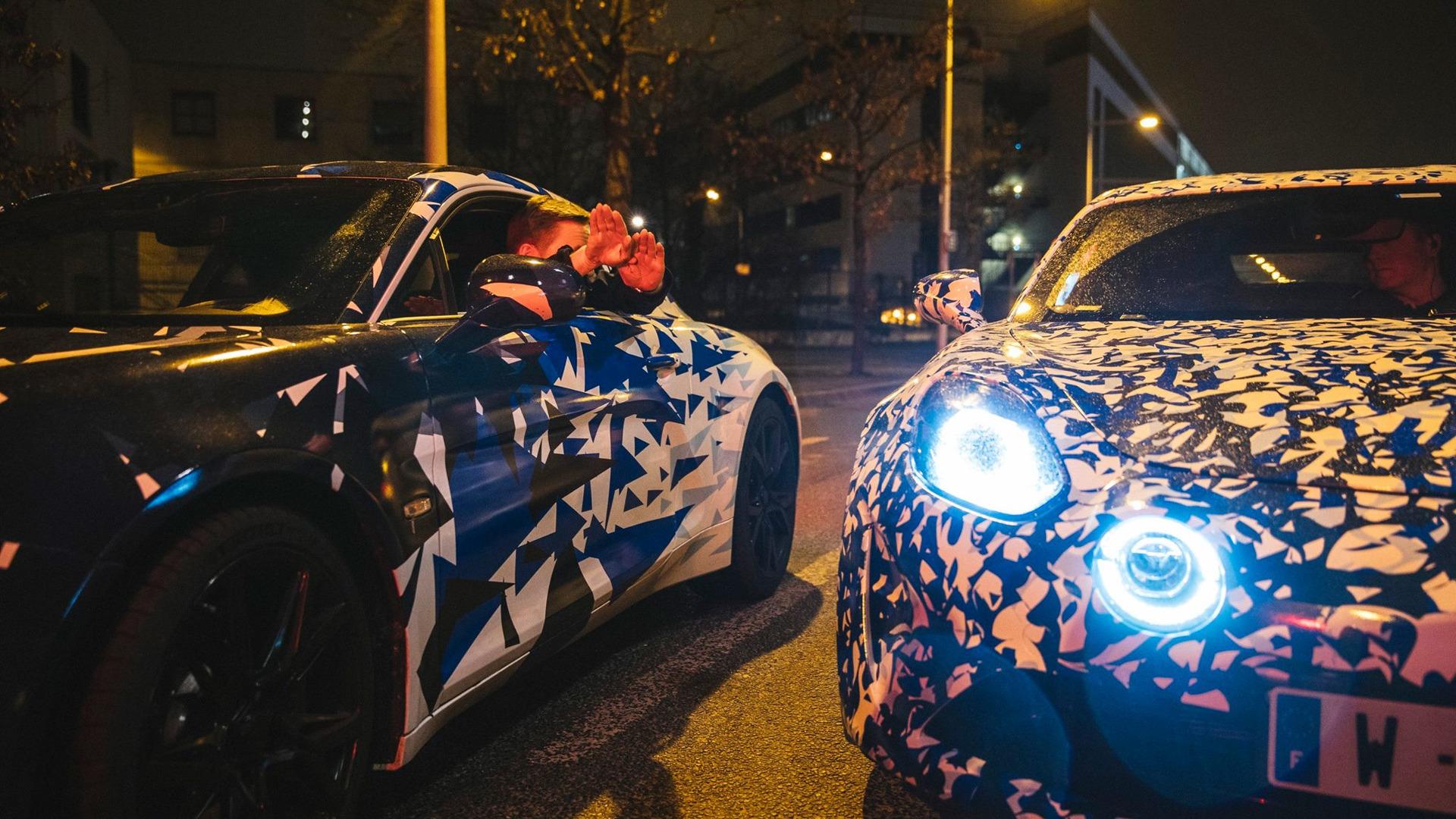 alpine-prototypes-paris-night-ride (22)
