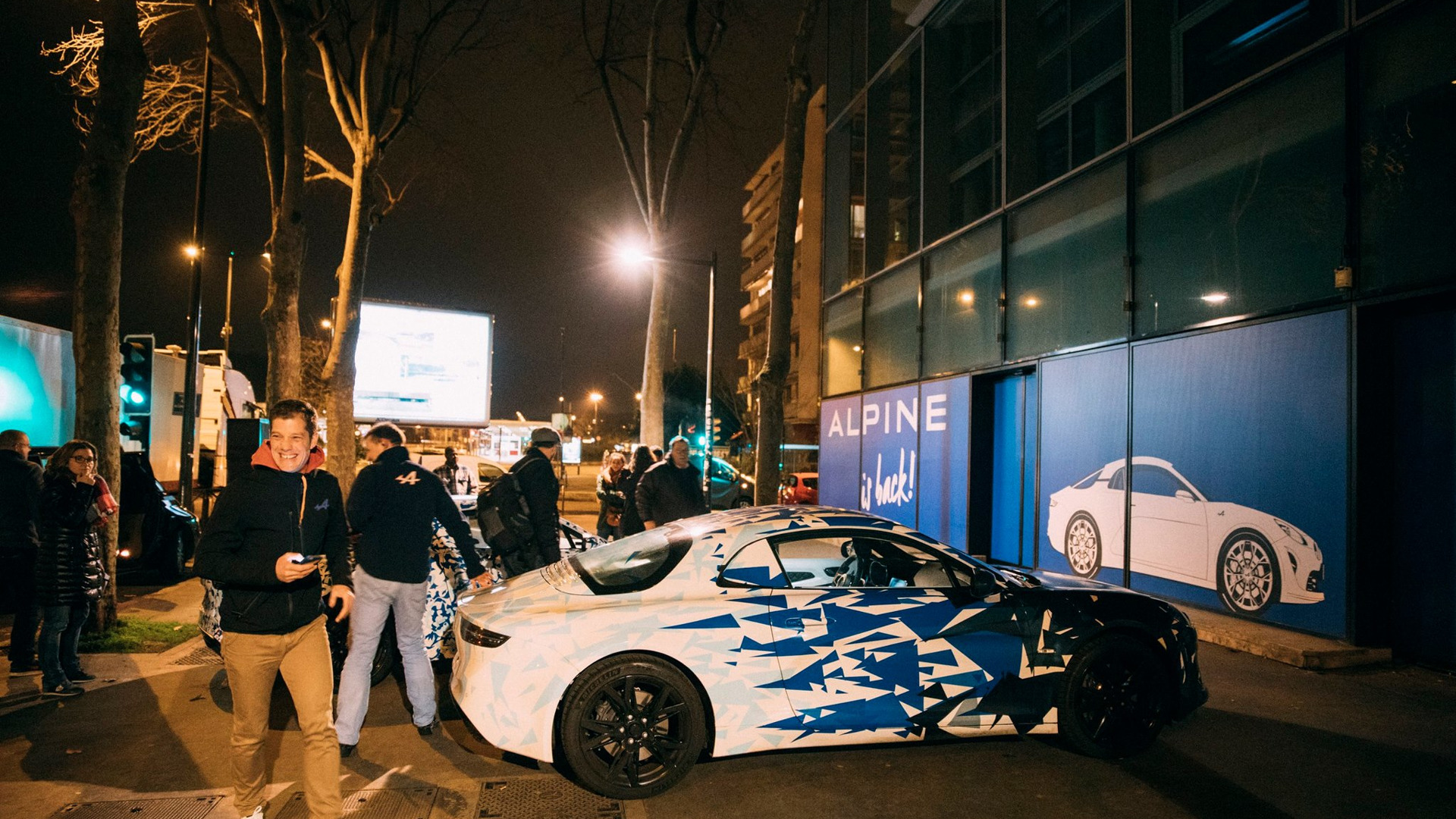 alpine-prototypes-paris-night-ride (27)
