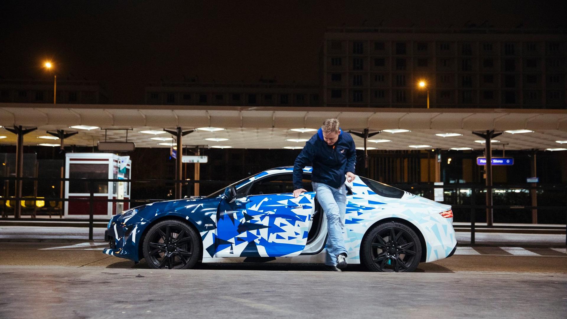 alpine-prototypes-paris-night-ride (6)