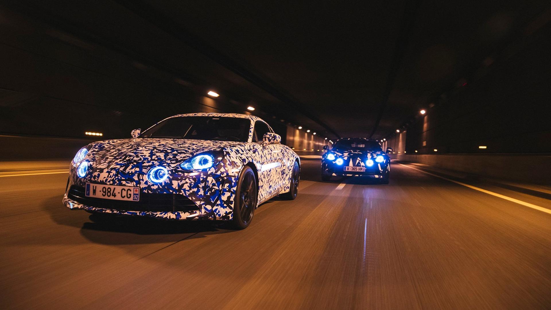 alpine-prototypes-paris-night-ride (7)