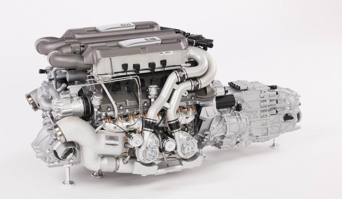 Amalgam_Bugatti_Chiron_Engine_02