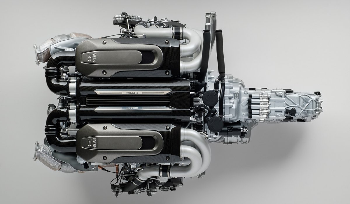 Amalgam_Bugatti_Chiron_Engine_05