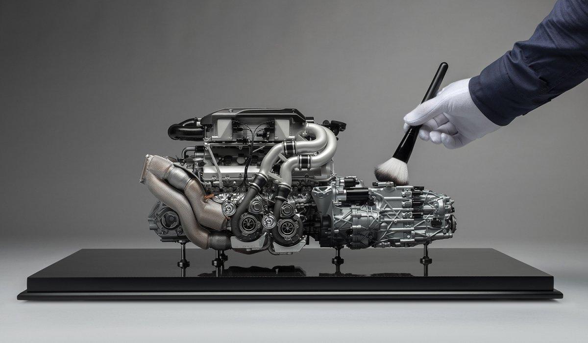 Amalgam_Bugatti_Chiron_Engine_06