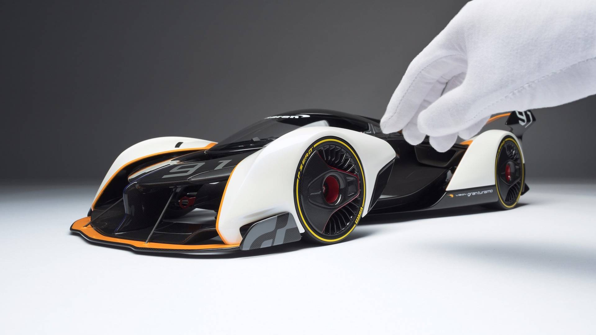 mclaren-ultimate-vision-gt-scale-model