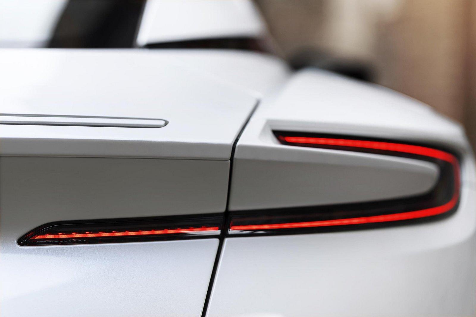 Aston-Martin-DB11-15