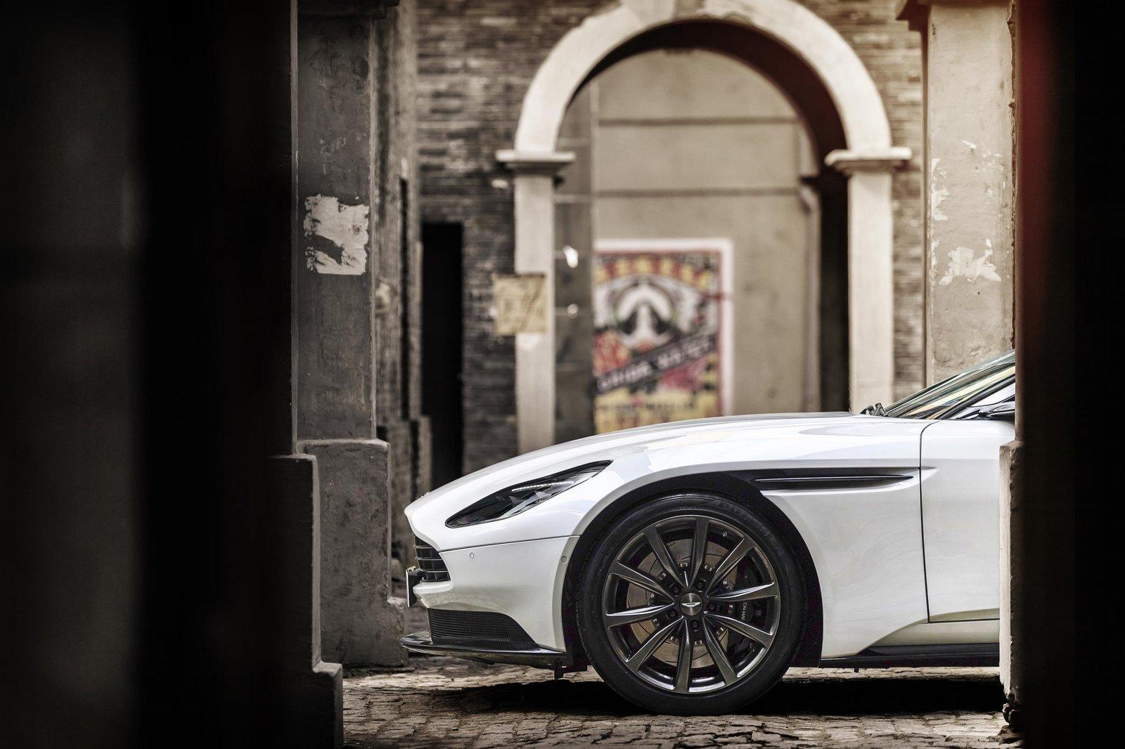Aston-Martin-DB11-16