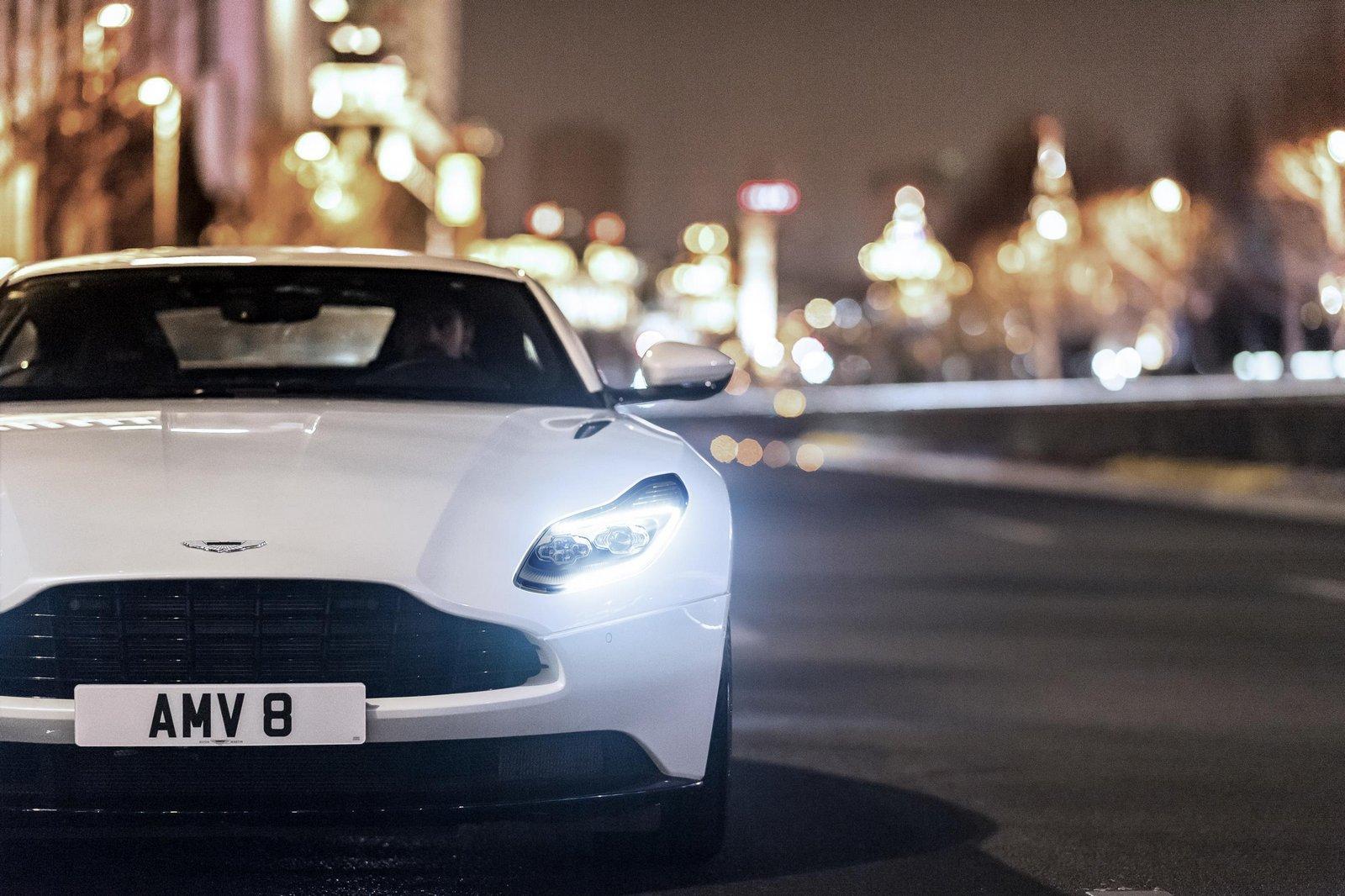 Aston-Martin-DB11-2
