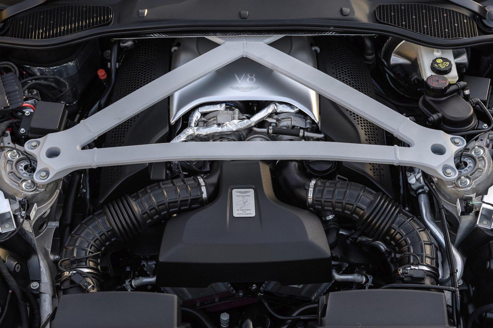 Aston-Martin-DB11-20