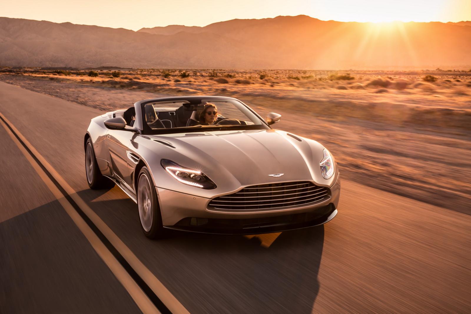 Aston_Martin_DB11_Volante_01