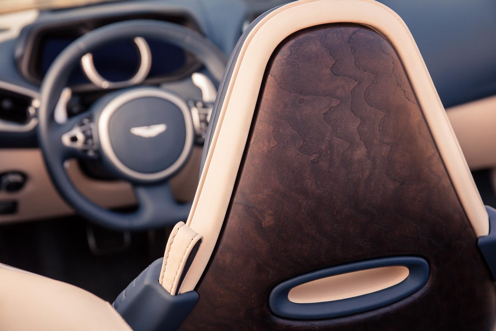 Aston_Martin_DB11_Volante_15