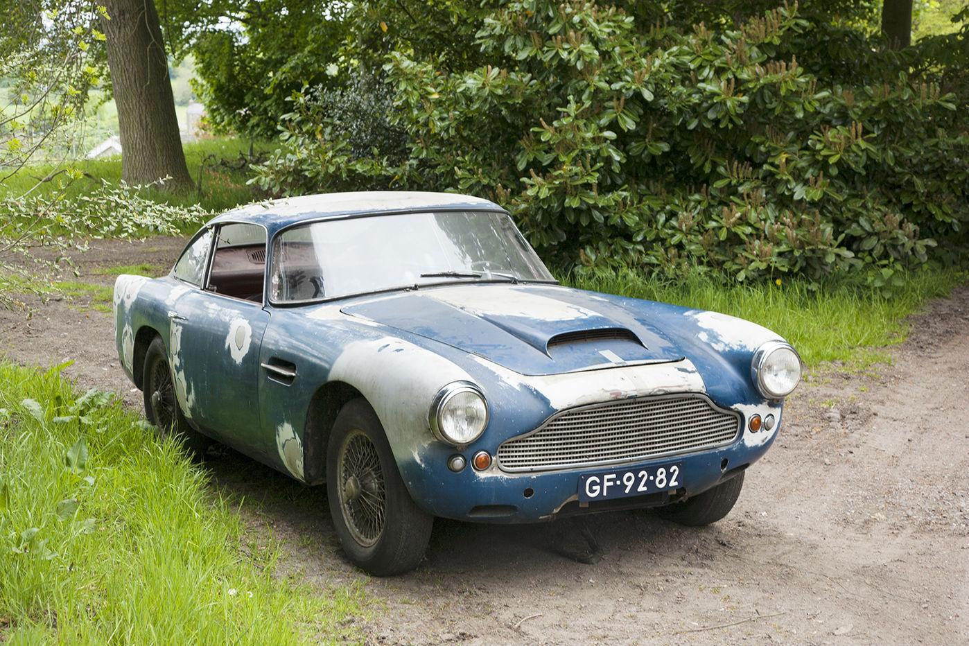 Aston Martin DB4 Series I barnfind (1)