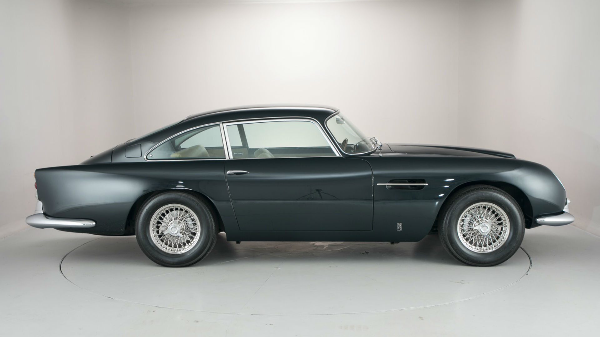 Aston_Martin_DB5_for_sale_03