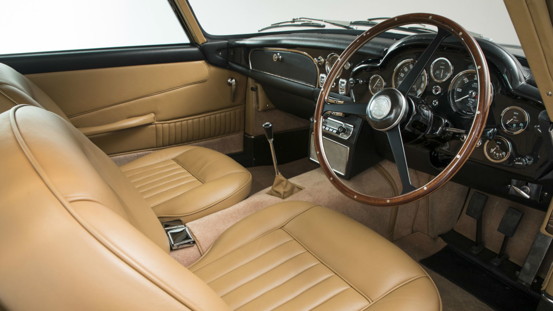 Aston_Martin_DB5_for_sale_07