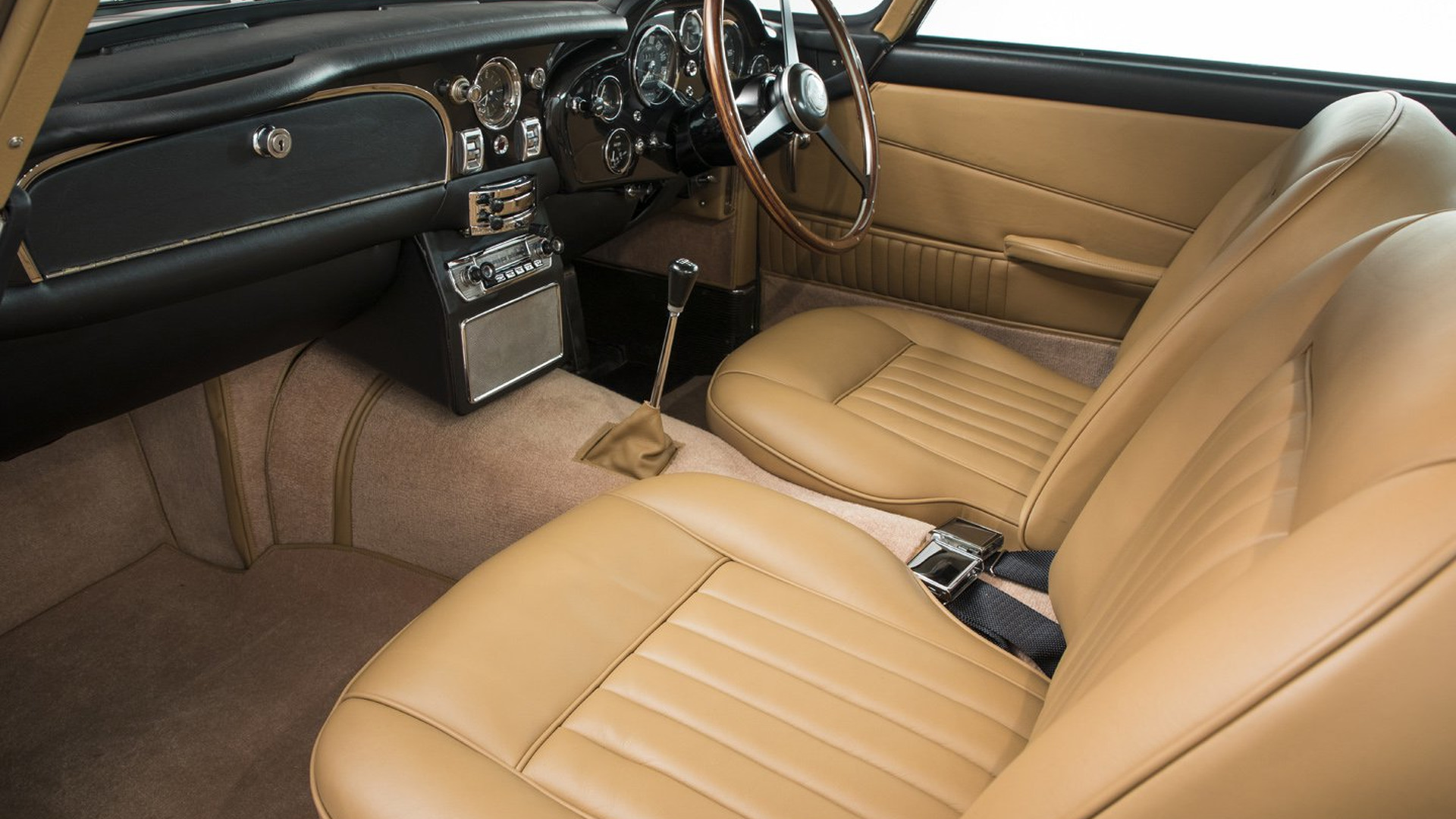 Aston_Martin_DB5_for_sale_10