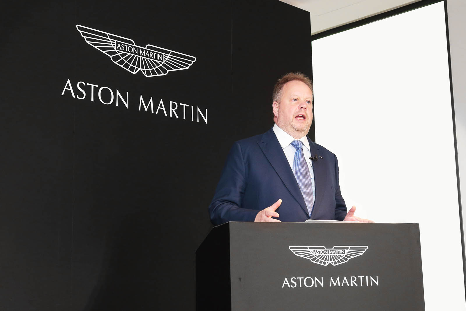 Aston_Martin_Tokyo_01